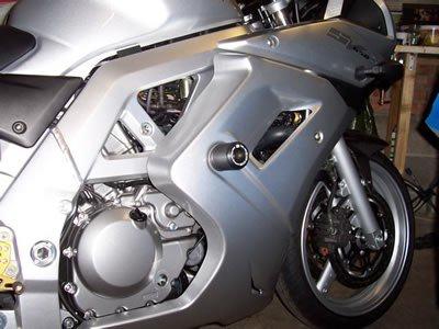 r g sturzpads suzuki sv 650 mit vollverkleidung powerparts hinz motorradzubeh r. Black Bedroom Furniture Sets. Home Design Ideas